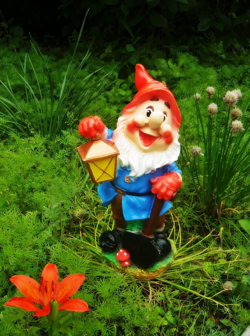 Садовые фигуры для дачи своими руками - из монтажной 84